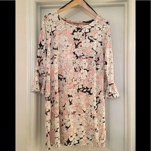 🌿new! Soft Blush Floral Shift Dress M